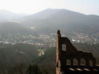 Blick auf Baden-Baden vom Alten Schloss Hohenbaden aus