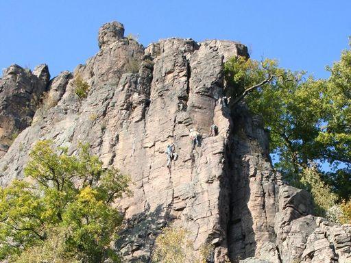 Blick auf den Battertfelsen nahe dem Alten Schloss Hohenbaden